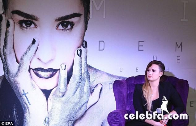 Demi-Lovato (1)