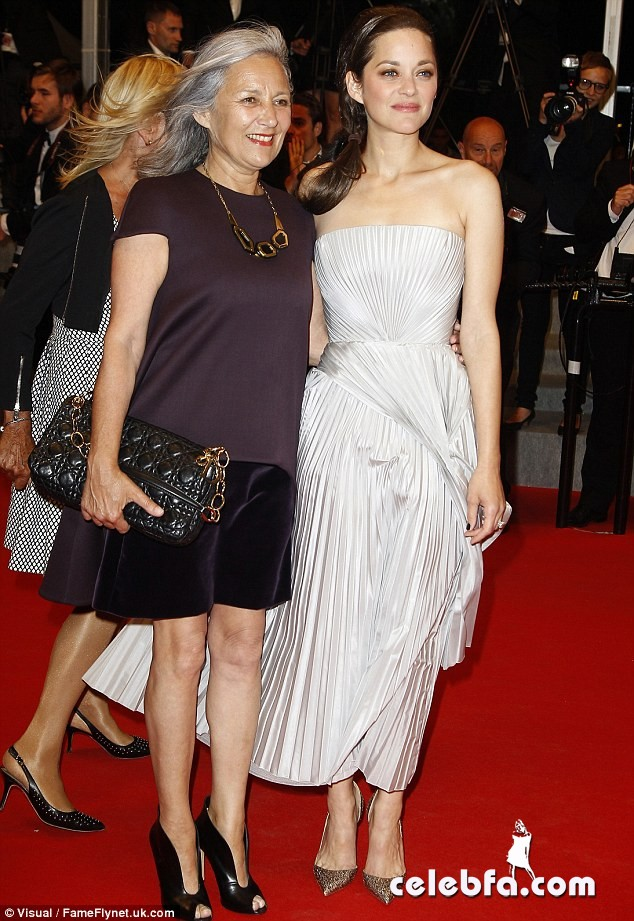 marion-cotillard-the-name-of-my-daughter-2014-cannes-CelebFa (8)