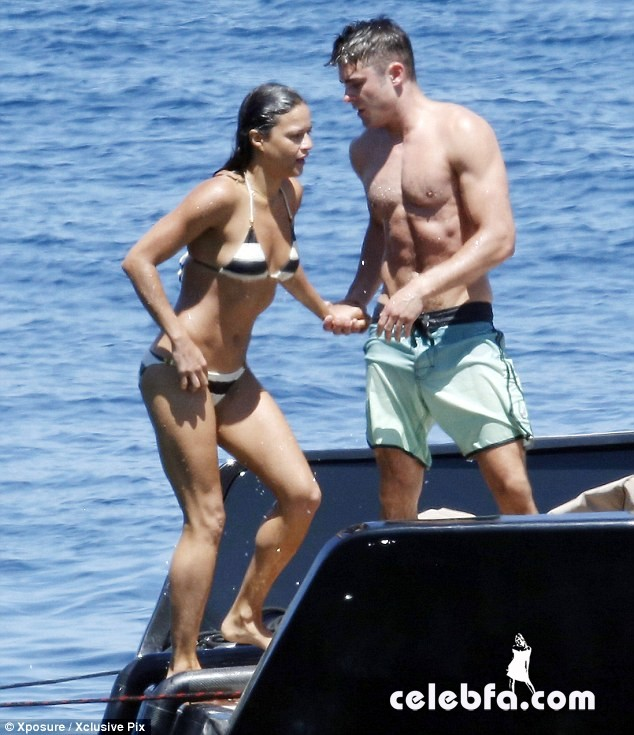 Zac Efron and Michelle Rodriguez (1)