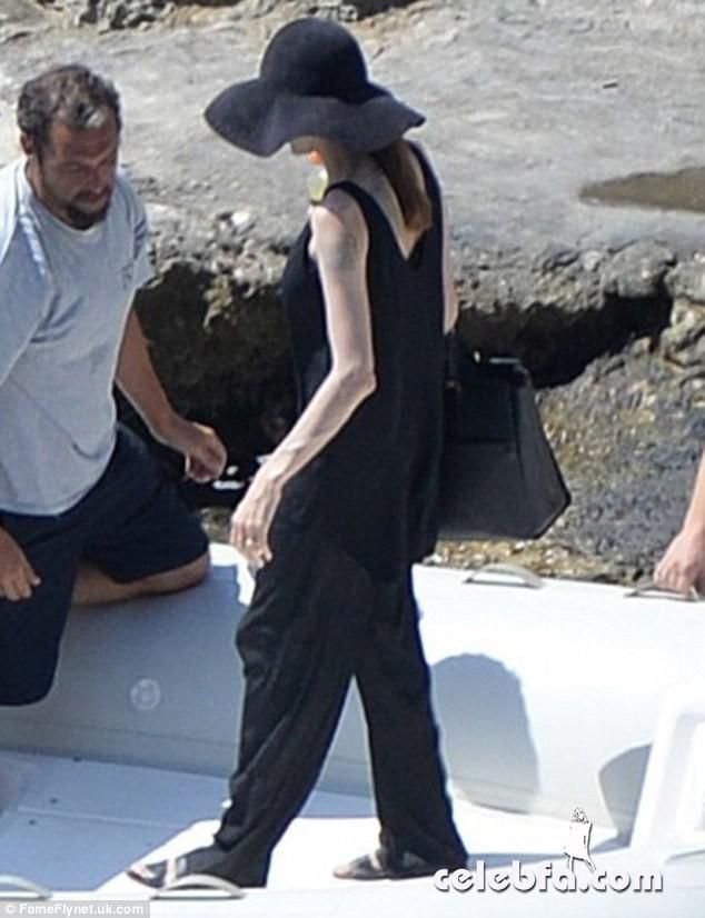 Angelina Jolie (1)