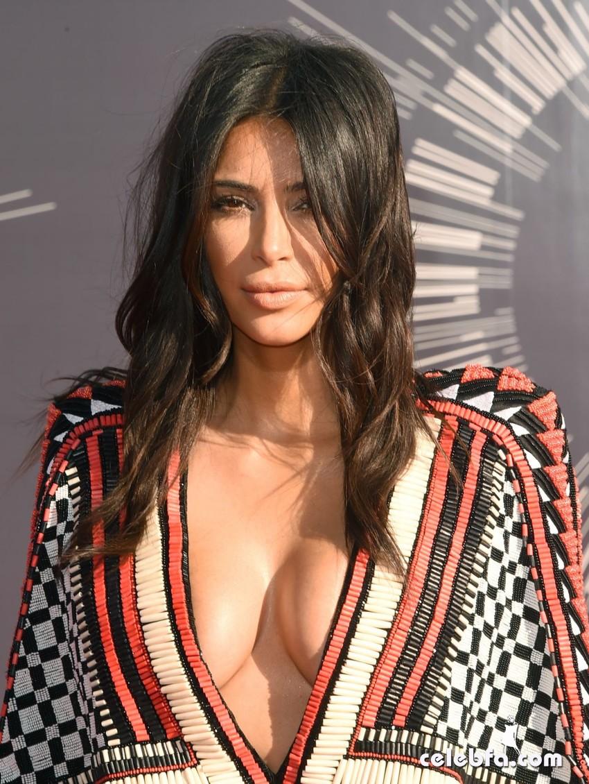 kim-kardashian-2014-mtv-video-music-awards-CelebFa (1)