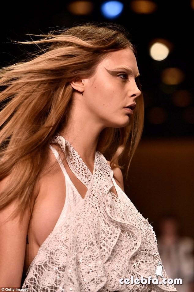cara-delevingne-paris-fashion-week-givenchy (1)