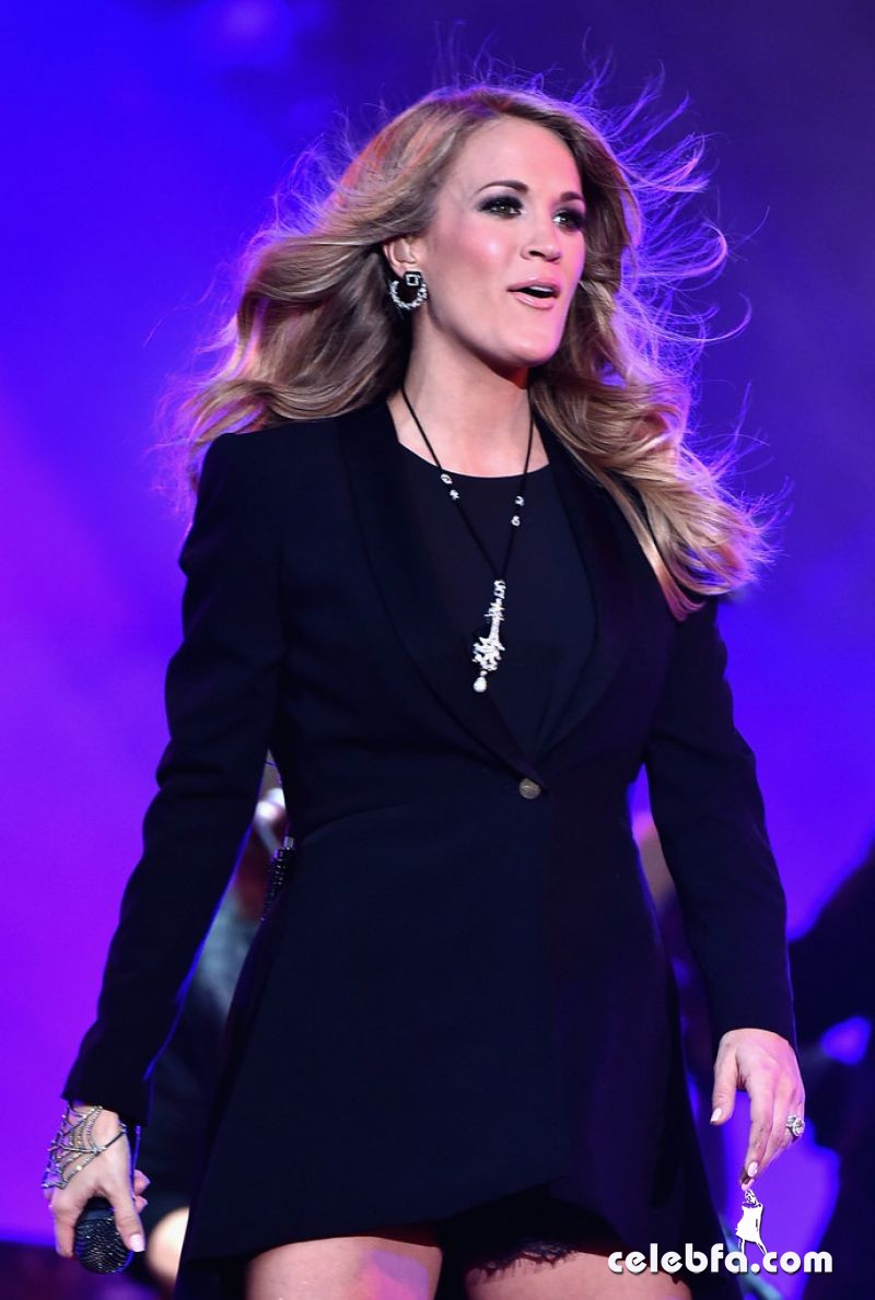 carrie-underwood-performs-onstage-at-the-2014-global-citizen-festival (1)