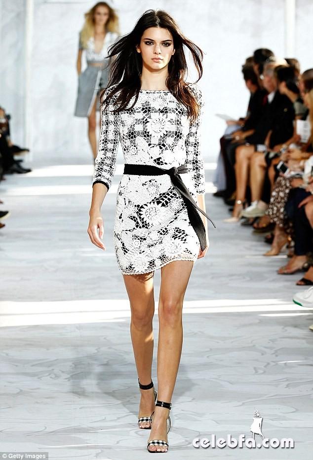 Kendall-Jenner-bans-kim-Kardashian (1)