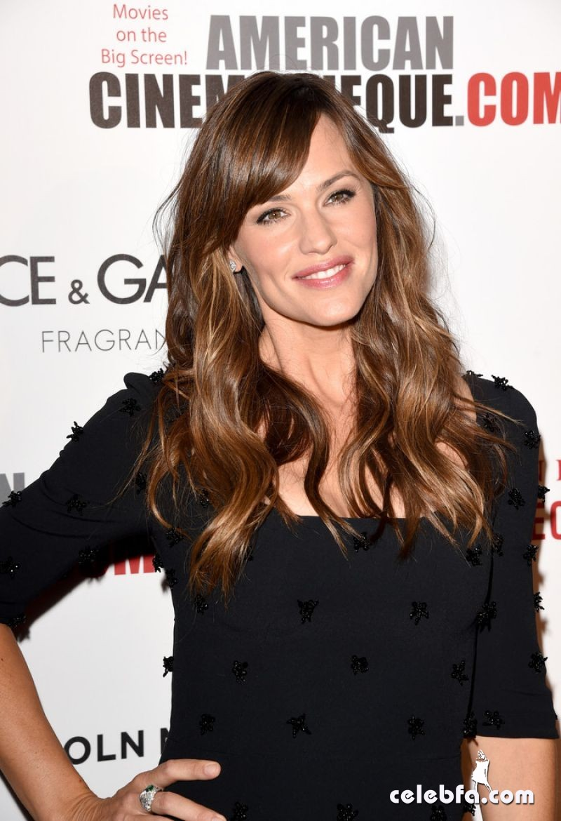 jennifer-garner-2014-american-cinematheque-awards (1)