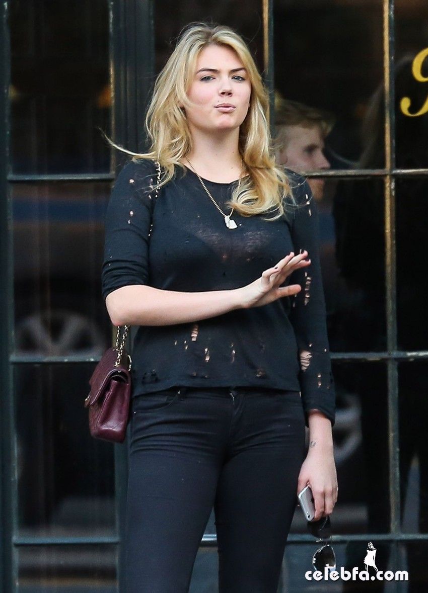 kate-upton-in-new-york-city-october-2014 (1)