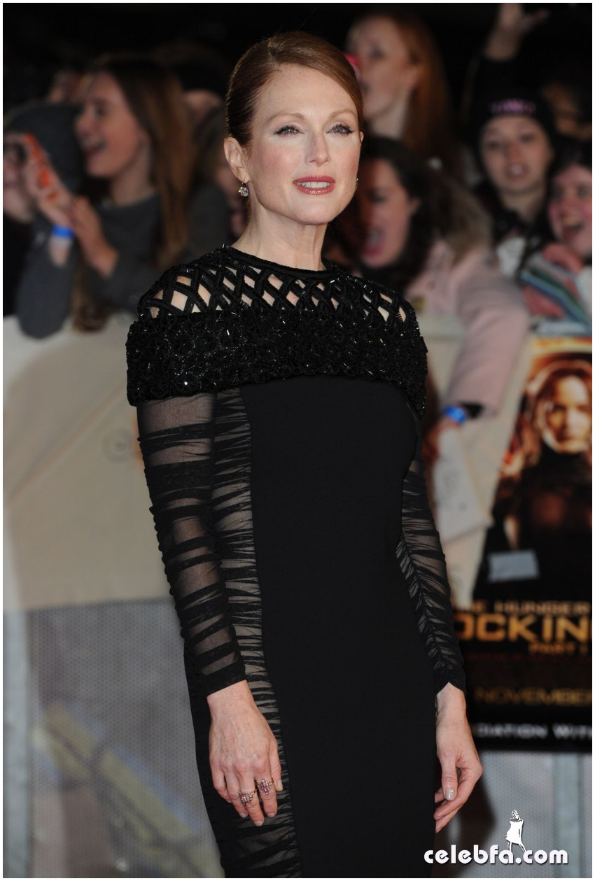 julianne-moore-the-hunger-games-mockingjay-part-1-premiere-in-london (1)
