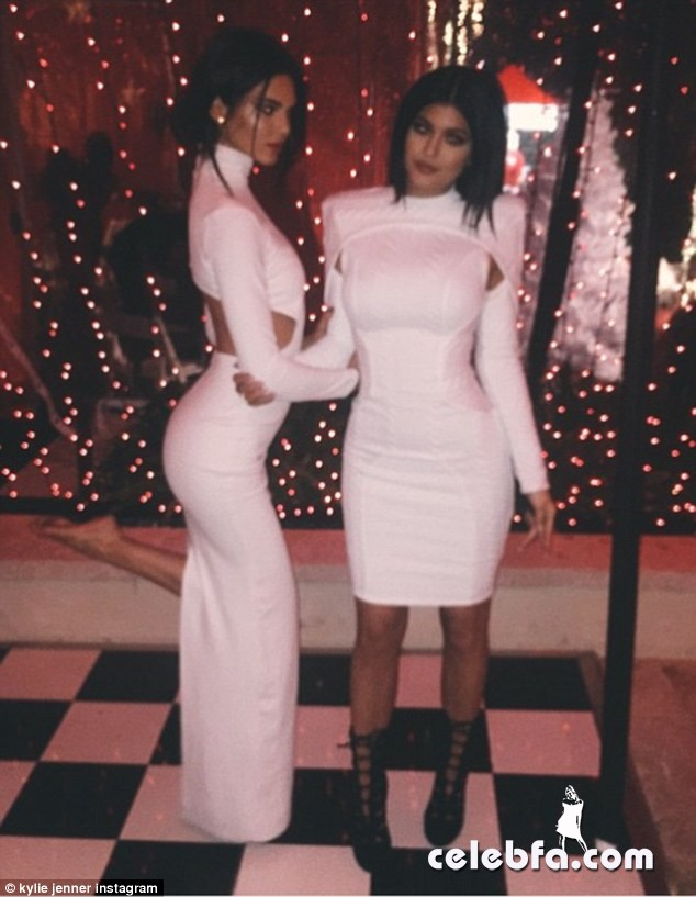Kendall and Kylie Jenner (1)