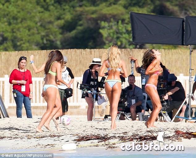 Alessandra Ambrosio and Candice Swanepoel  (10)