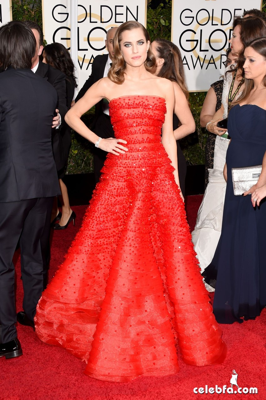 allison-williams-2015-golden-globe-awards (3)