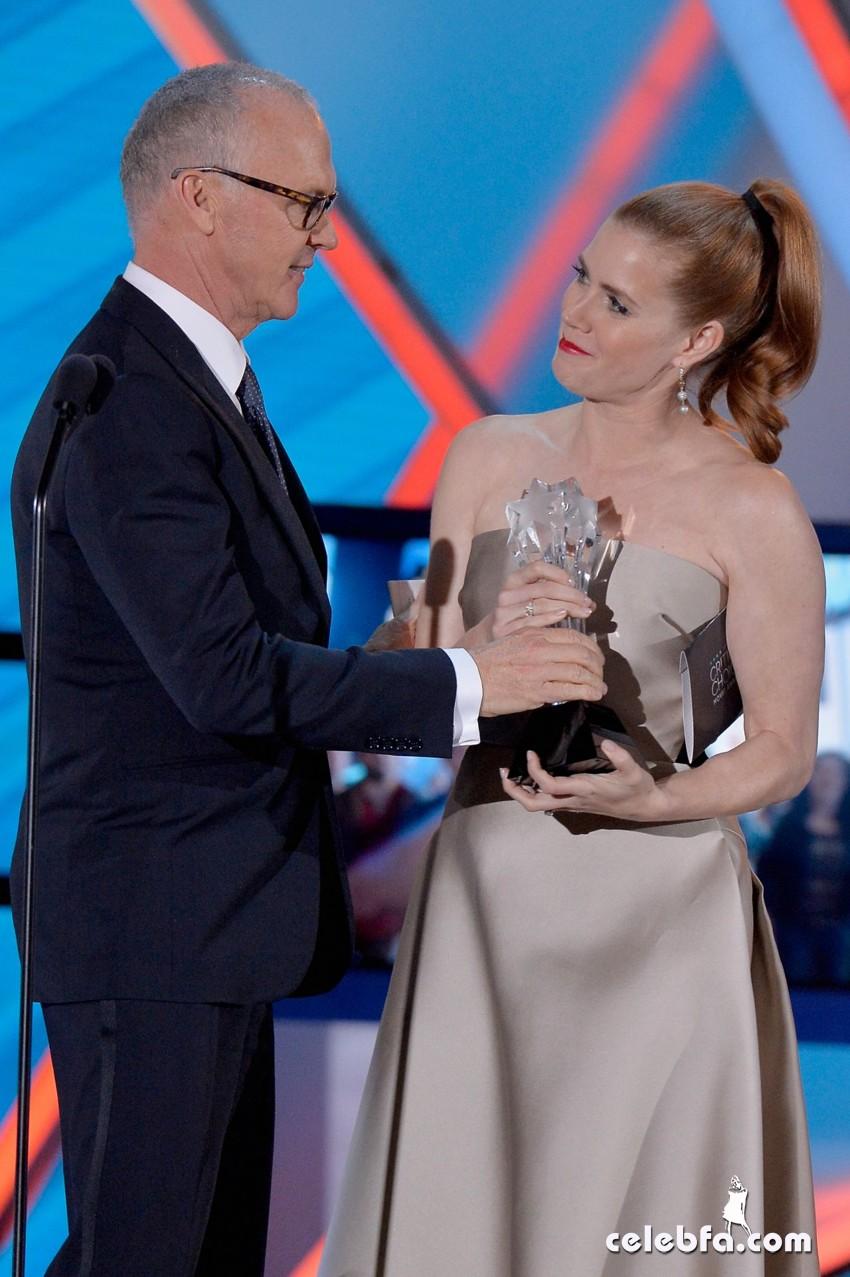amy-adams-2015-critics-choice-movie-awards (8)