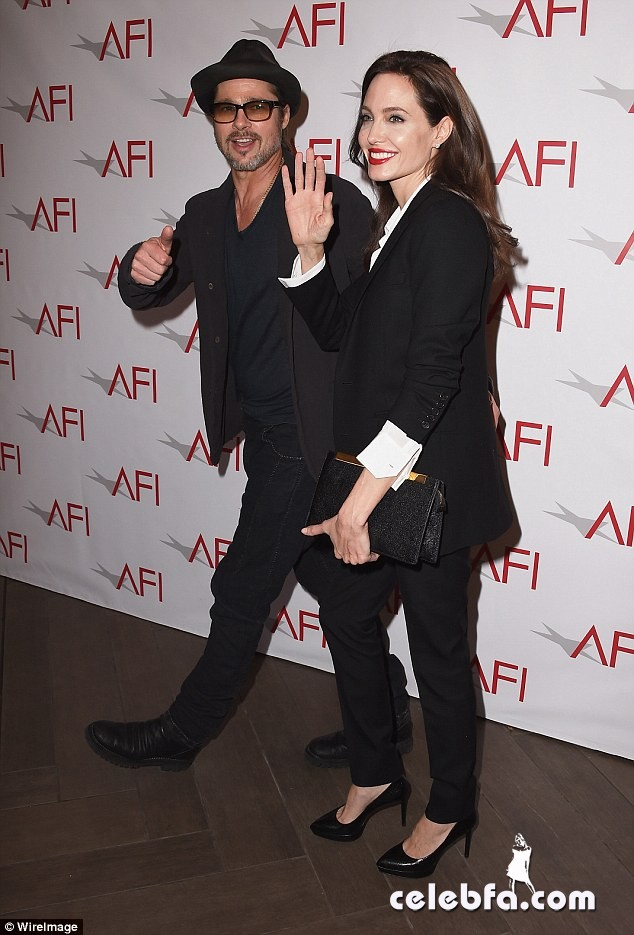 angelina-jolie-afi-awards-with-brad-pitt (6)