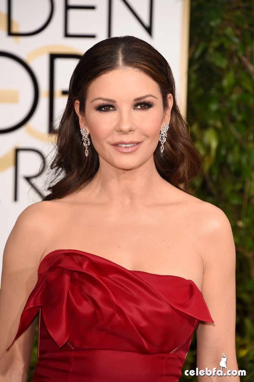 Catherine Zeta-Jones - 2015 Golden Globe Awards (5)