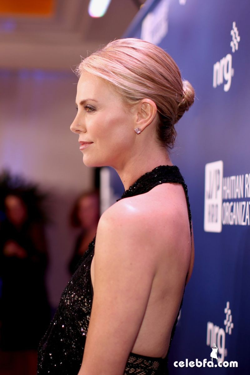 charlize-theron-2015-sean-penn-friends-help-haiti-home-gala (3)