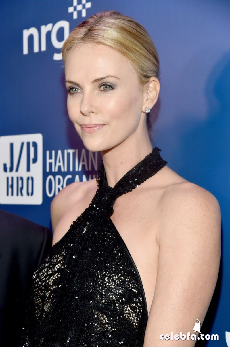 charlize-theron-2015-sean-penn-friends-help-haiti-home-gala (5)