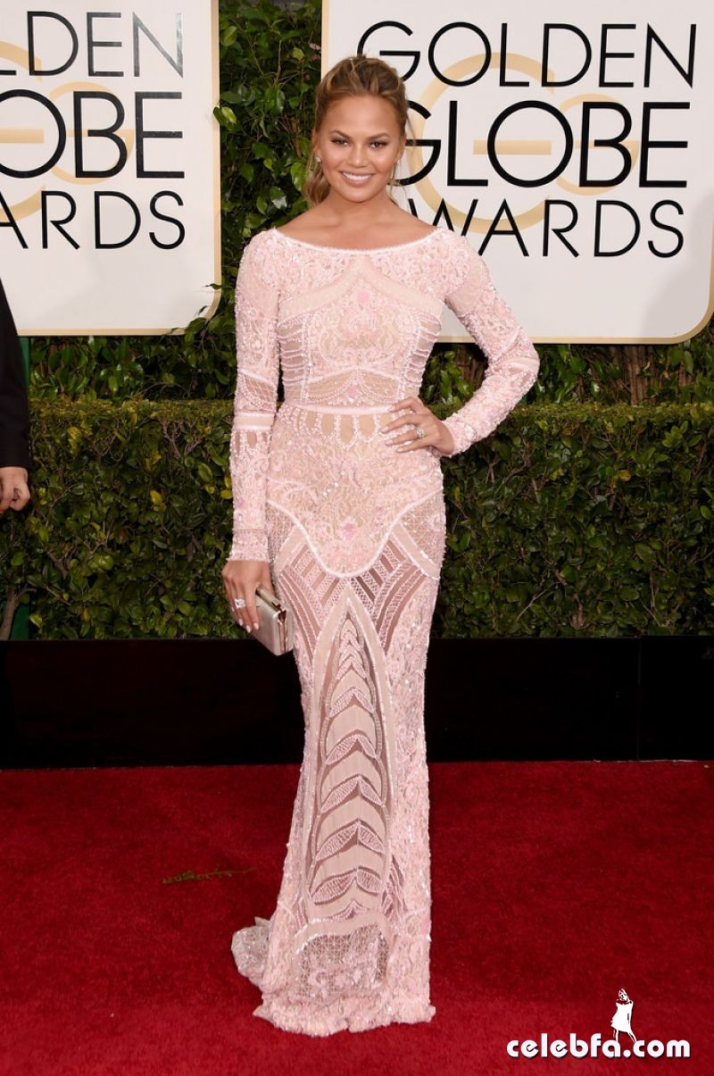 chrissy-teigen-2015-golden-globe-awards (5)