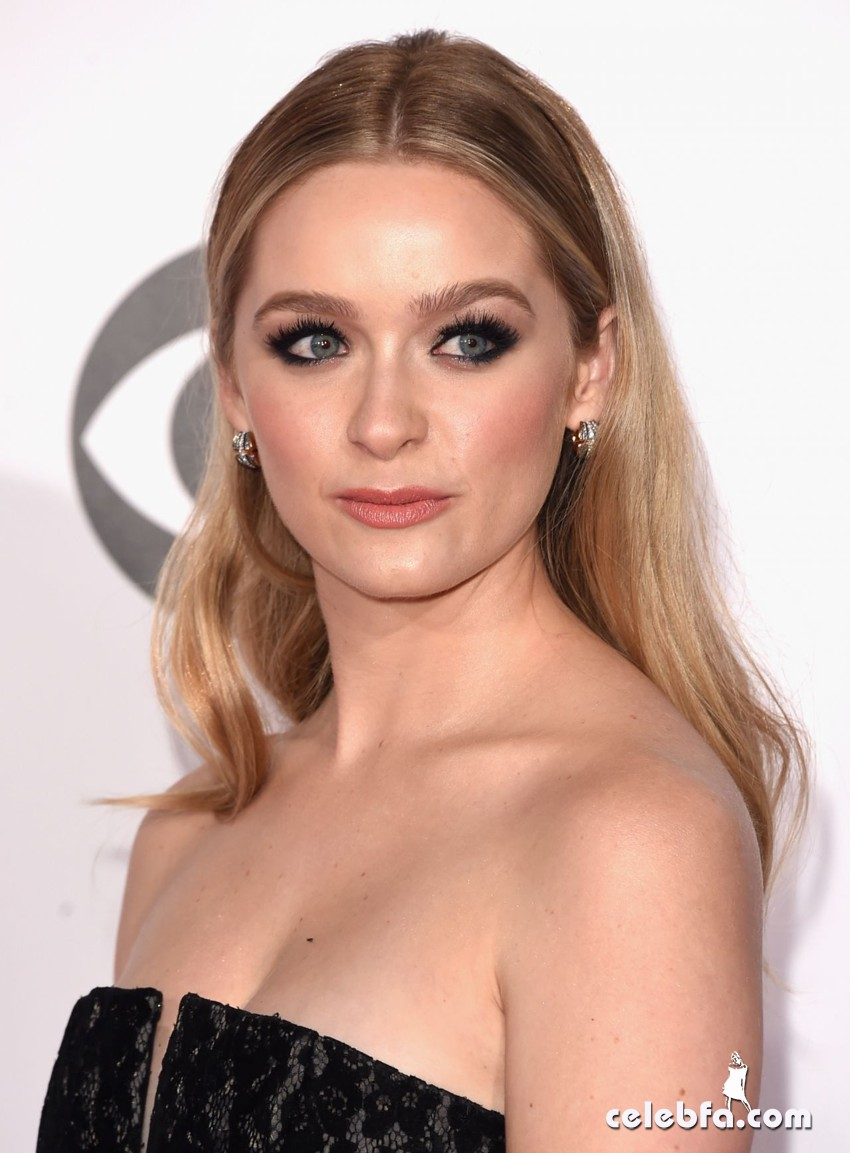 greer-grammer-2015-people-s-choice-awards (2)