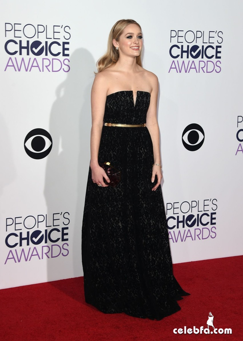 greer-grammer-2015-people-s-choice-awards (3)