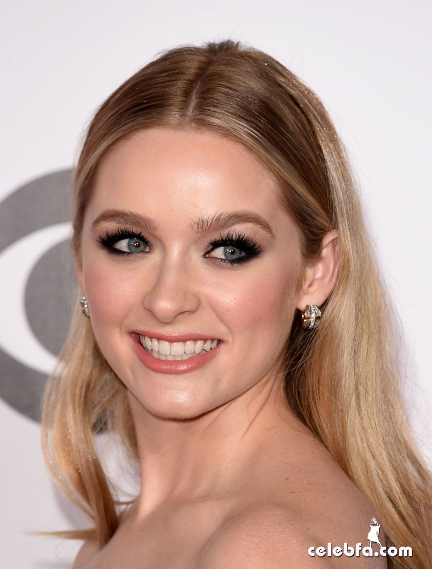 greer-grammer-2015-people-s-choice-awards (5)
