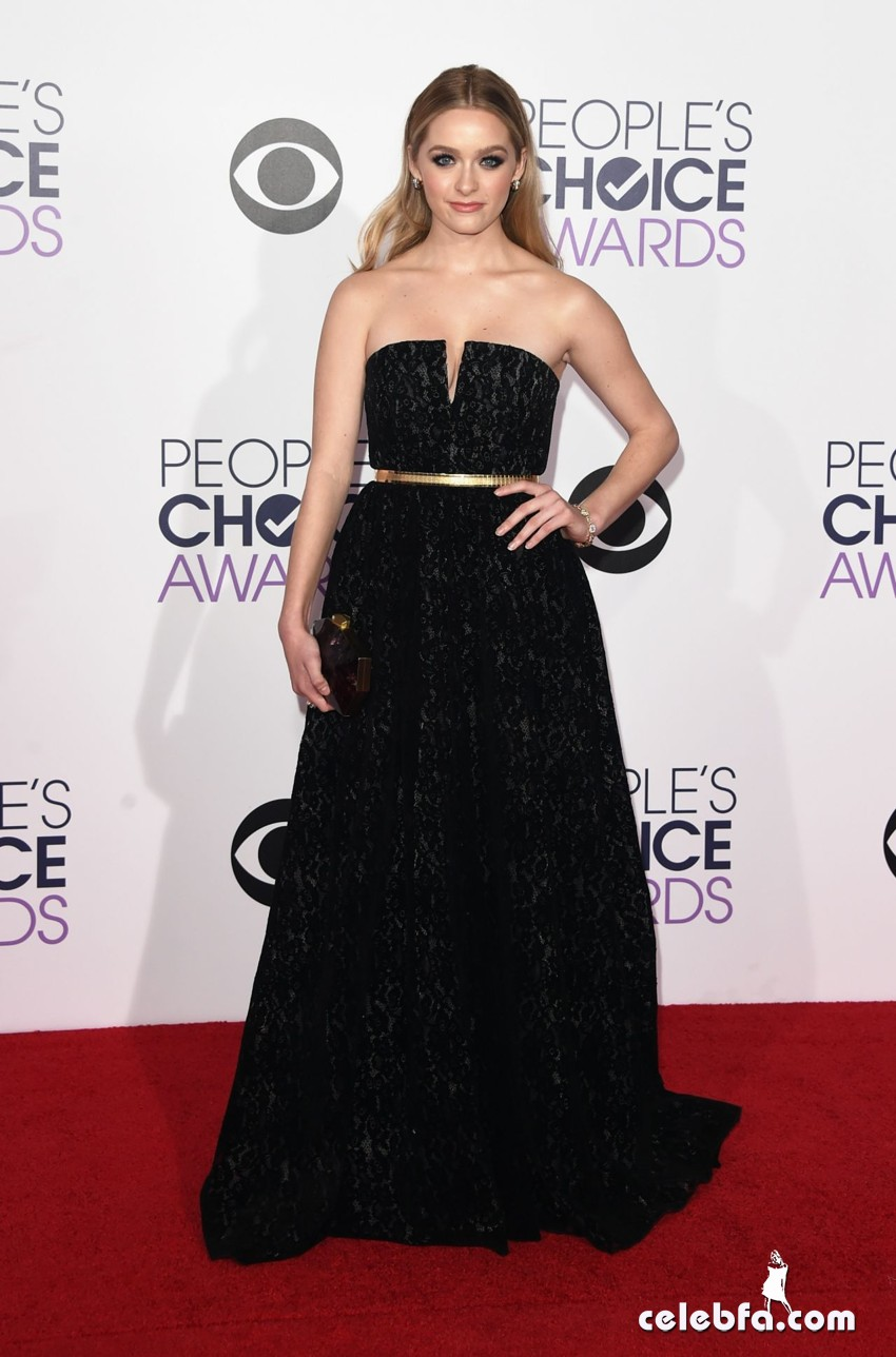 greer-grammer-2015-people-s-choice-awards (6)