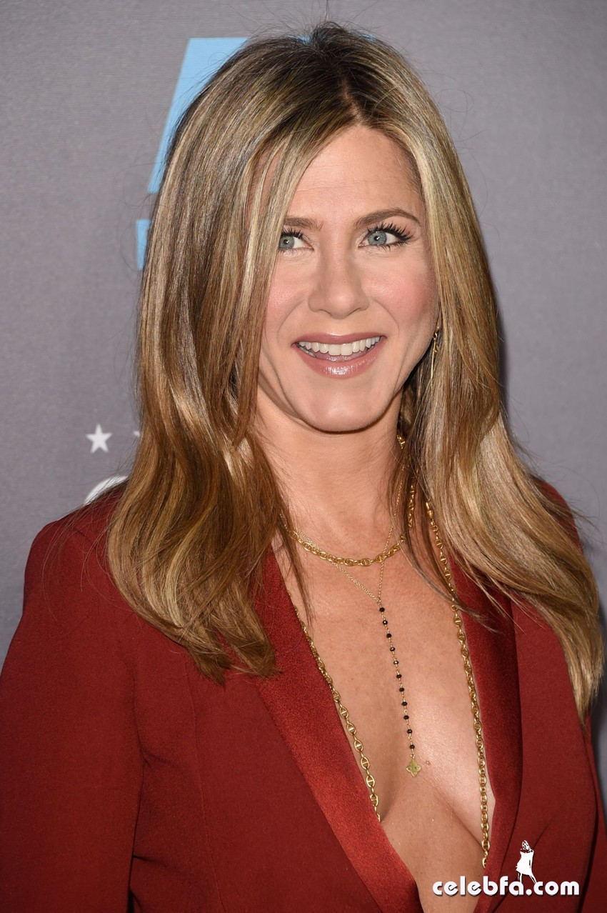 jennifer-aniston-2015-critics-choice-movie-awards (1)