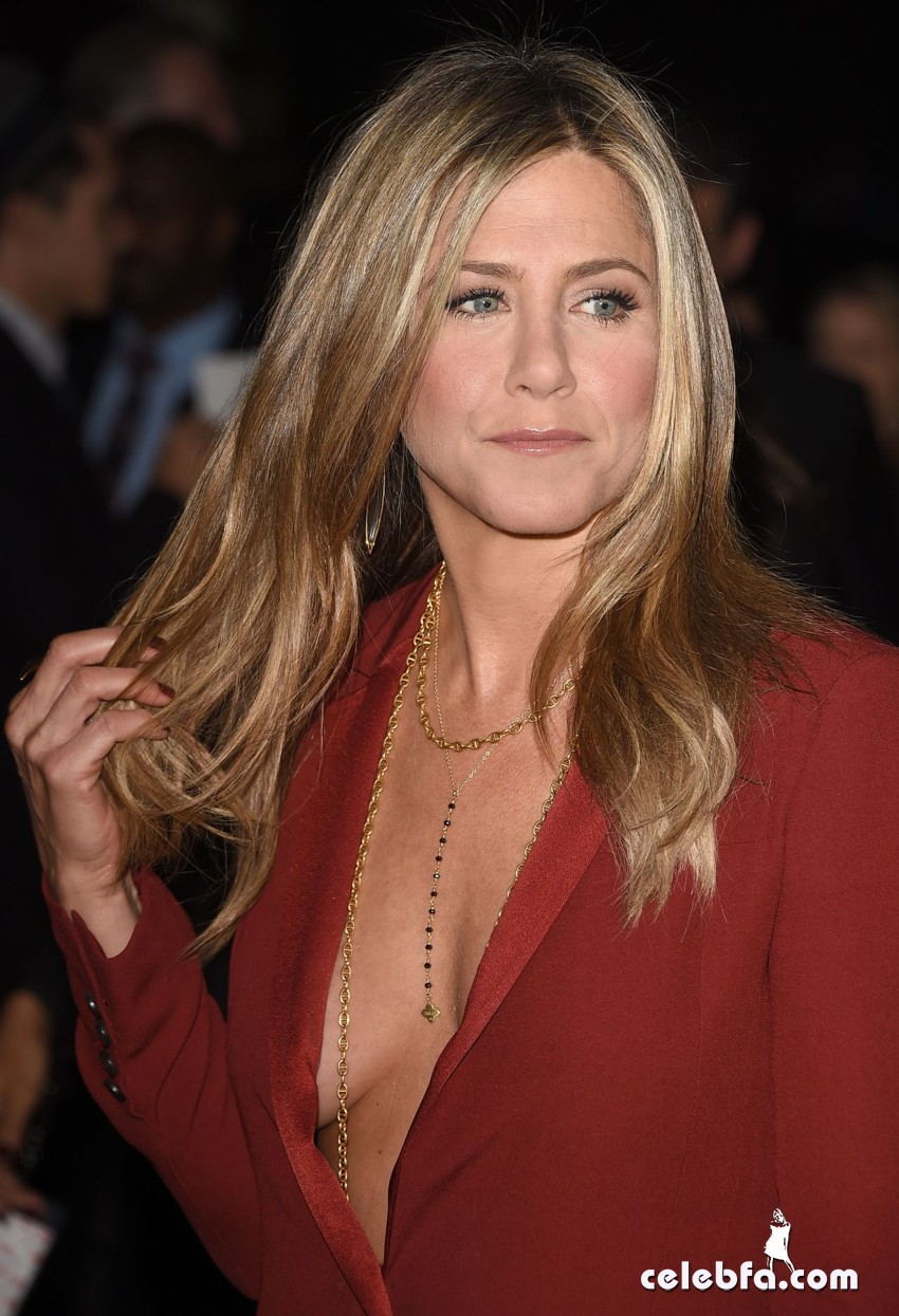 jennifer-aniston-2015-critics-choice-movie-awards (7)