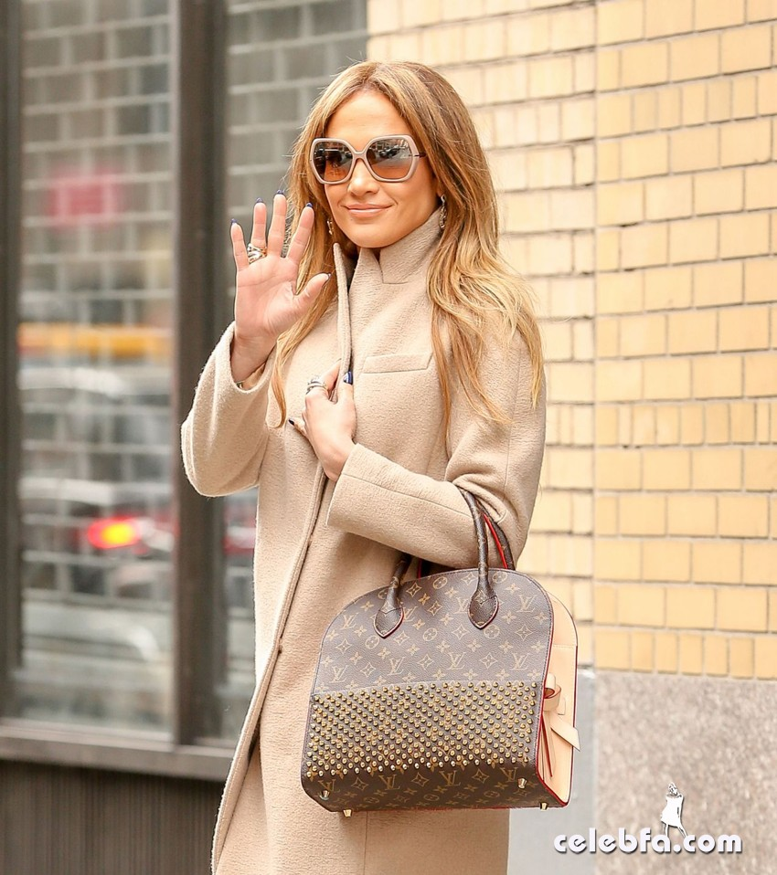 jennifer-lopez-is-stylish-in-new-york (1)