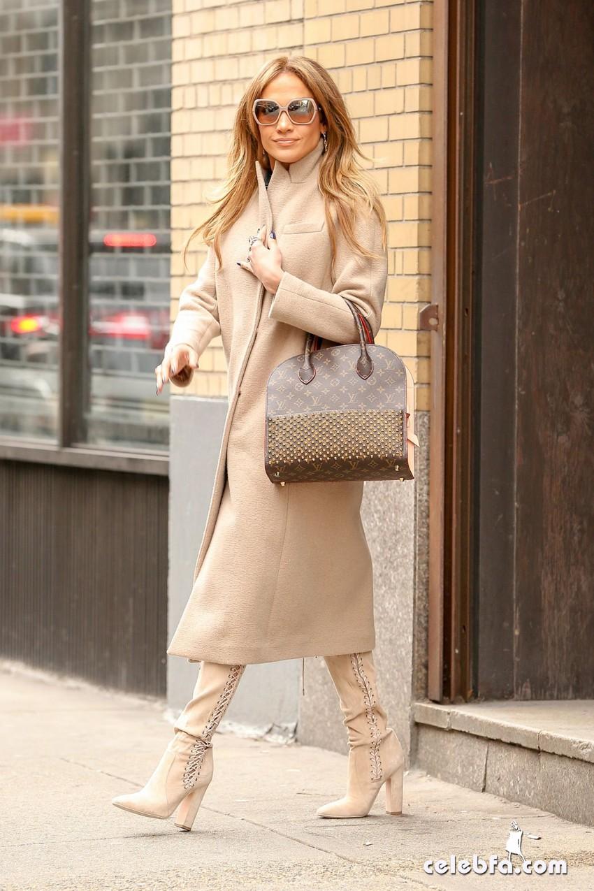 jennifer-lopez-is-stylish-in-new-york (2)