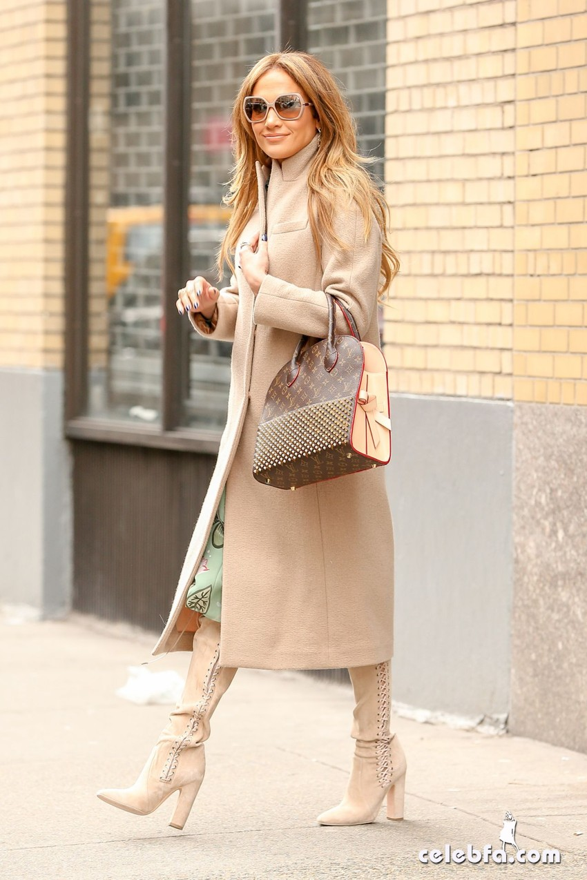 jennifer-lopez-is-stylish-in-new-york (3)