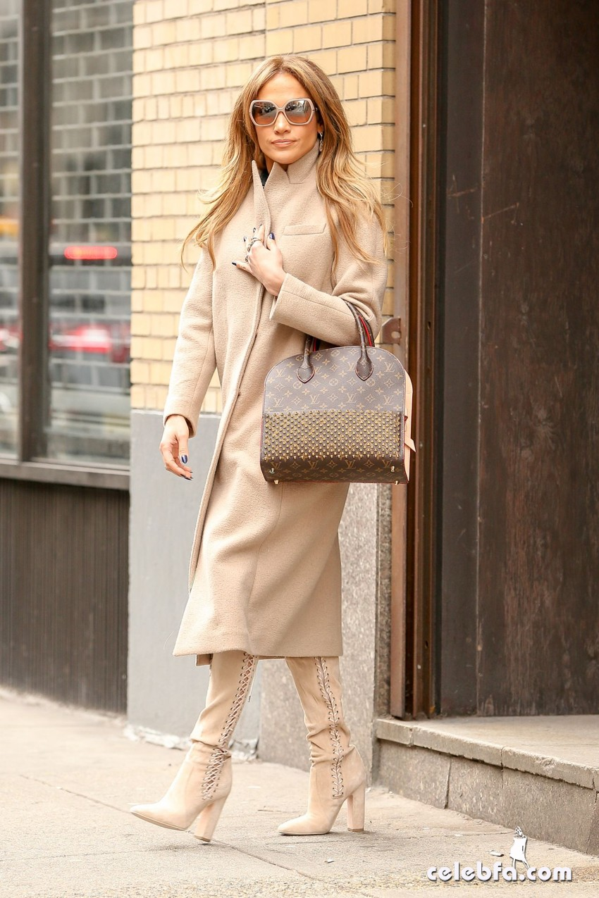 jennifer-lopez-is-stylish-in-new-york (5)