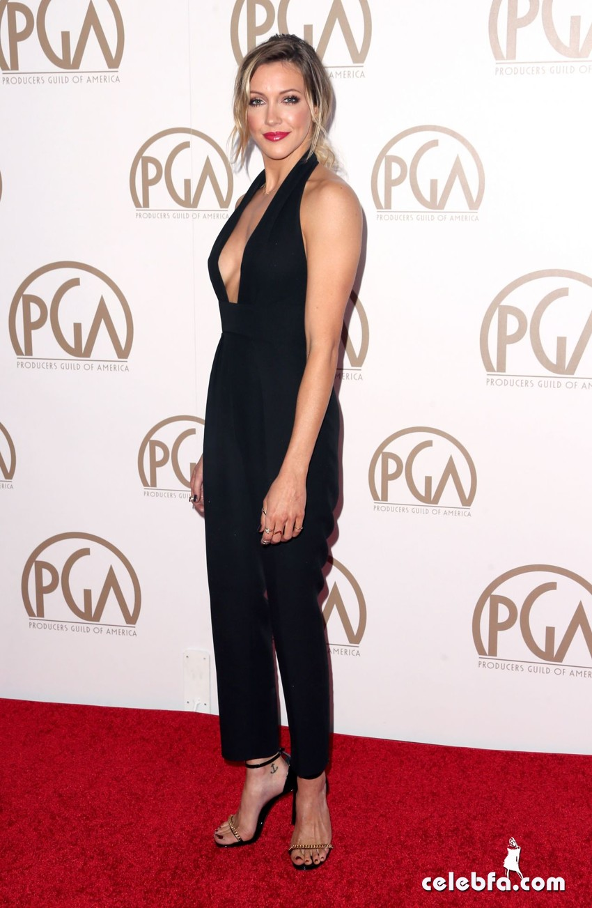 katie-cassidy-2015-producers-guild-awards (3)
