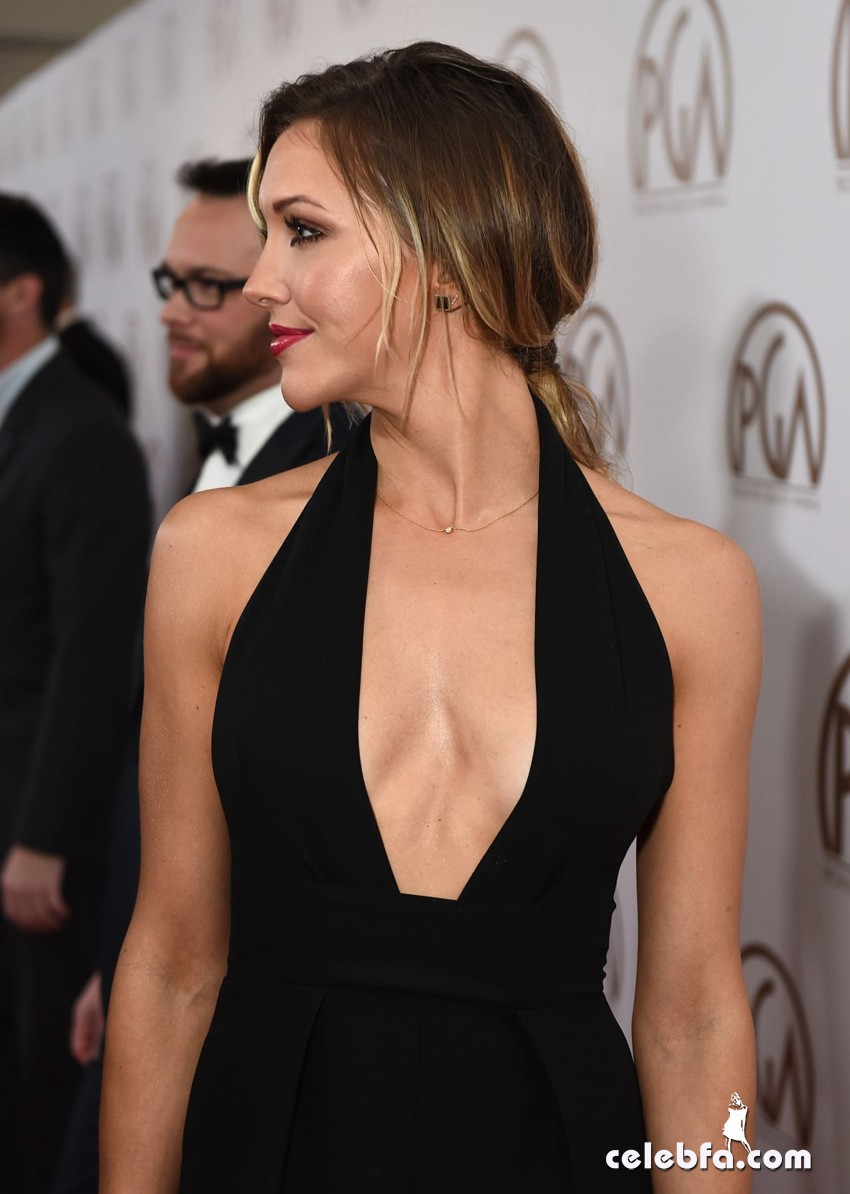 katie-cassidy-2015-producers-guild-awards (4)
