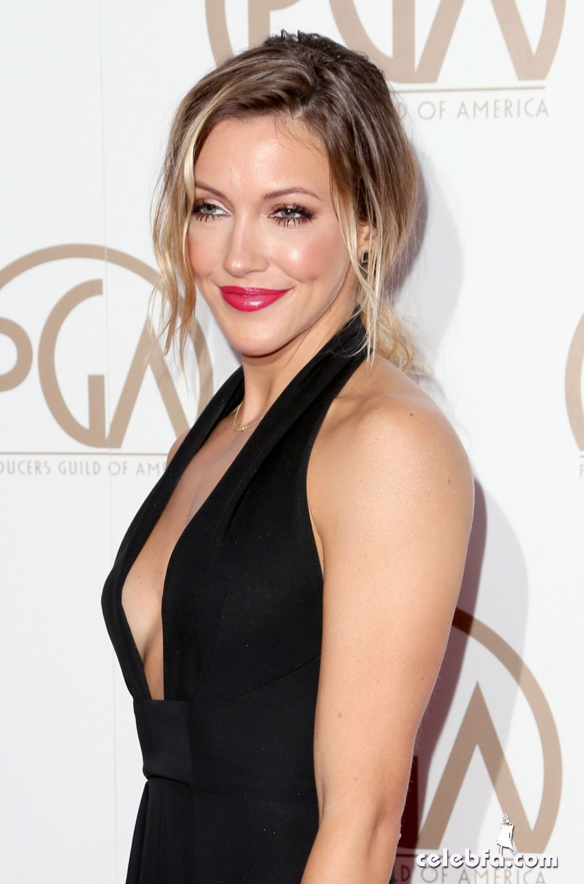 katie-cassidy-2015-producers-guild-awards (5)