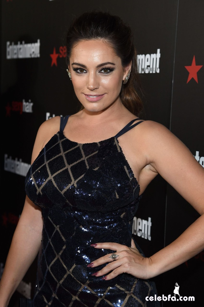 kelly-brook-entertainment-weekly-s-sag-awards-2015 (1)