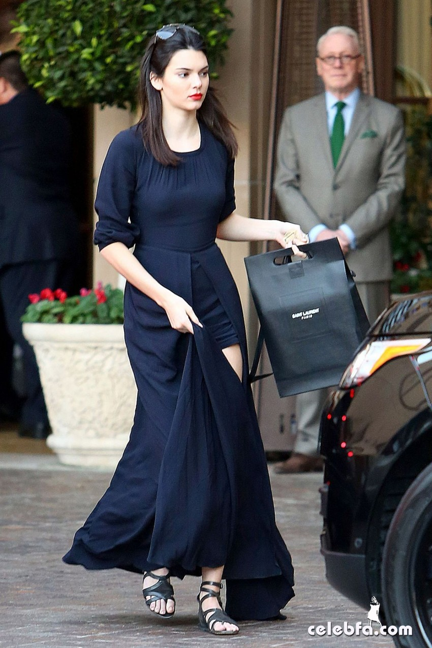kendall-jenner-beverly-hills-january-2015 (1)