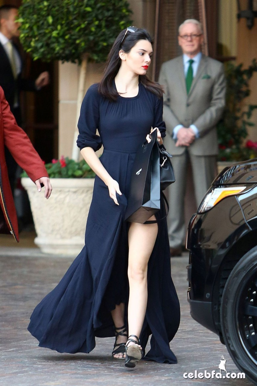 kendall-jenner-beverly-hills-january-2015 (2)