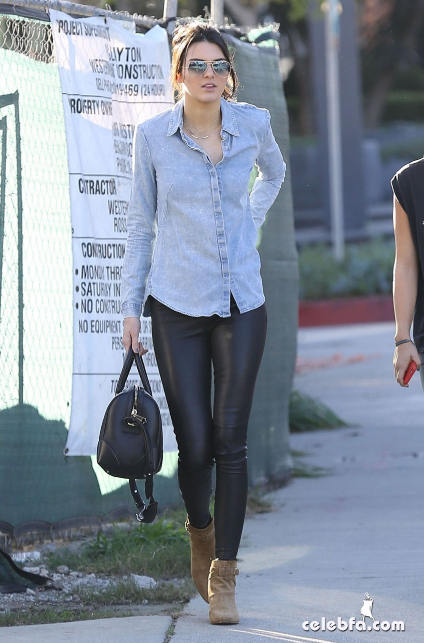kendall-jenner-in-west-hollywood-jan (5)