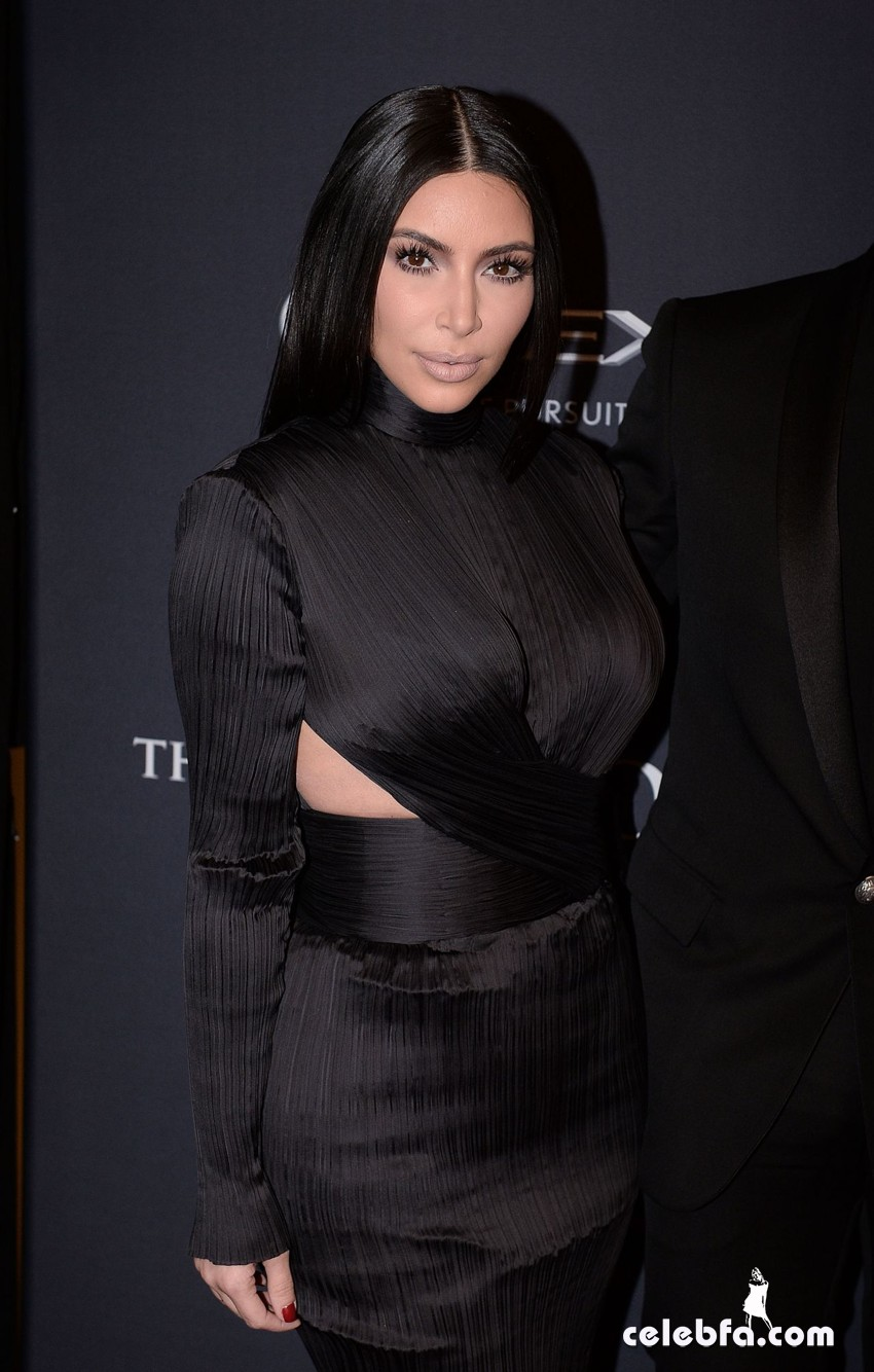kim-kardashian-bet-honors-2015 (4)