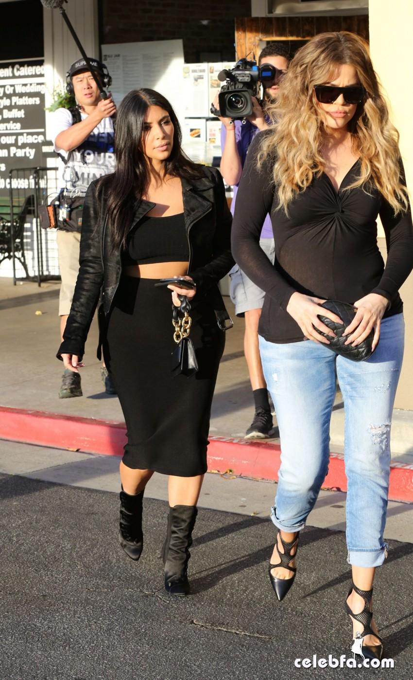 kim-kardashian-january-2015 (6)