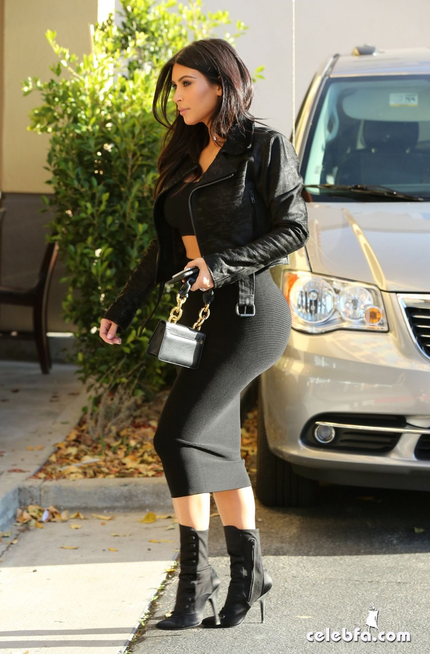 kim-kardashian-january-2015 (7)