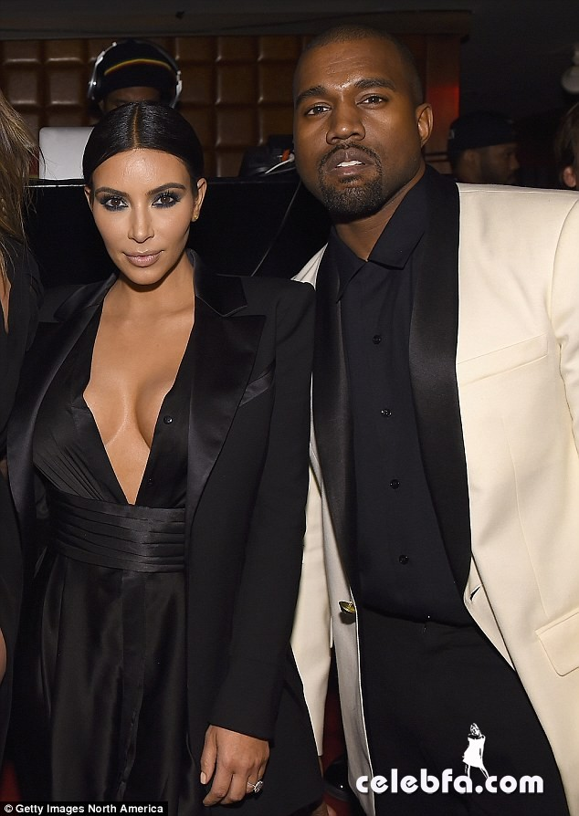 kim-kardashian-kanye-west-pda-john-legend-birthday-party (7)