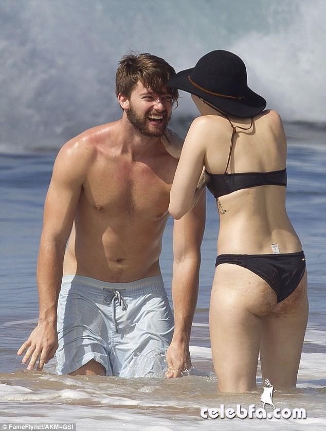 Miley Cyrus Patrick Schwarzenegger (11)