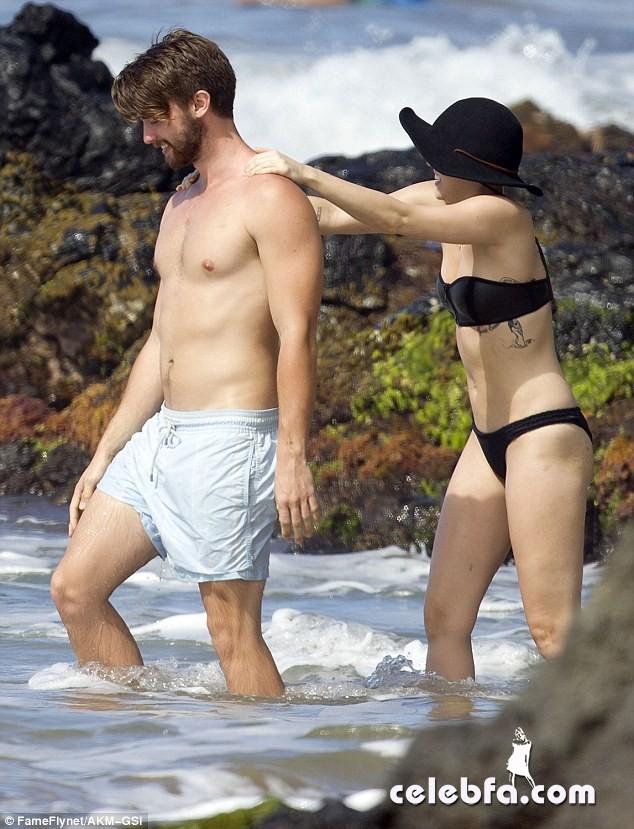 Miley Cyrus Patrick Schwarzenegger (2)