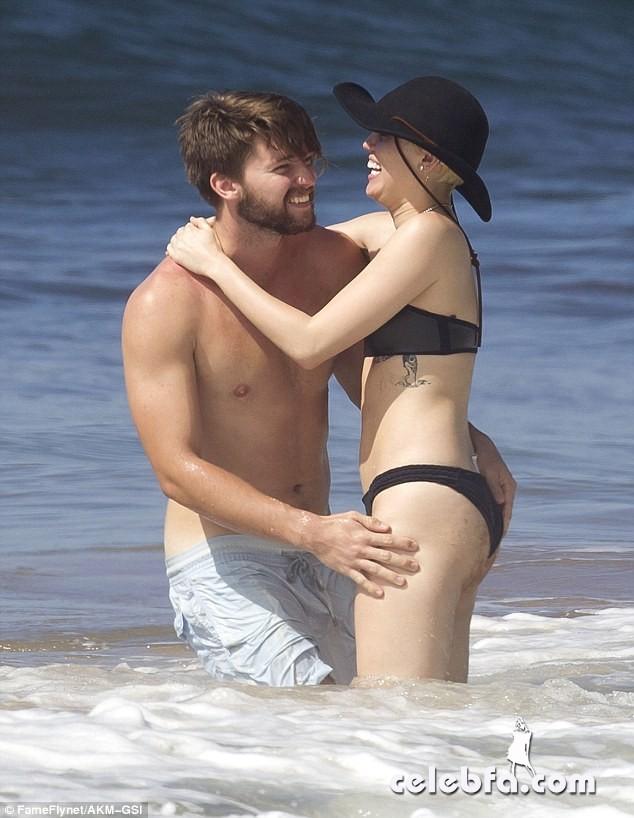 Miley Cyrus Patrick Schwarzenegger (6)