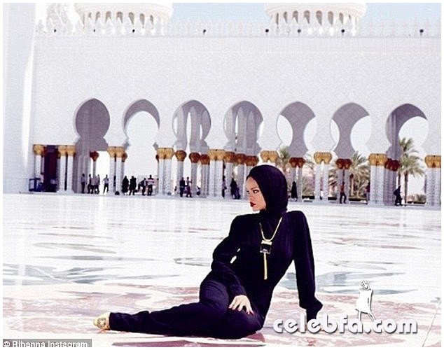 Rihanna-Abuzhabi-Grand-Mosque-2