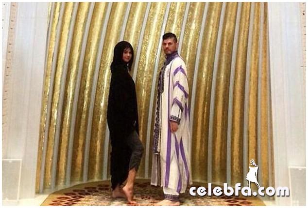 Selena-Gomez-Abuzhabi-Grand-Mosque