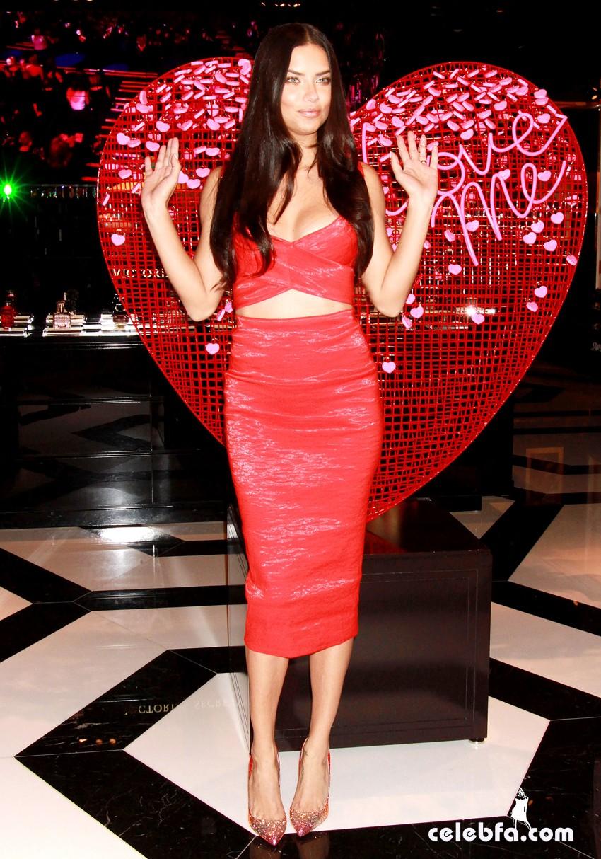 Adriana Lima - at Victoria's Secret (4)