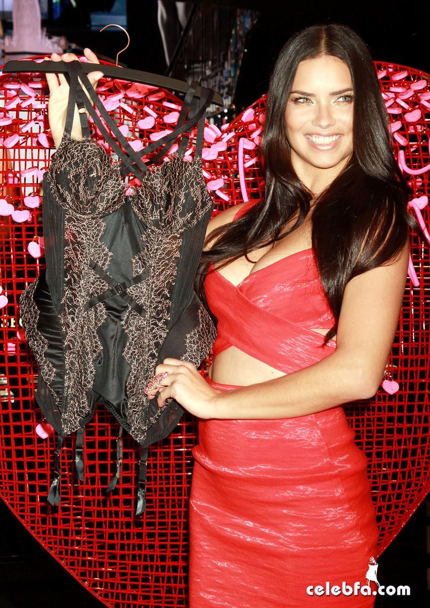 Adriana Lima - at Victoria's Secret (8)