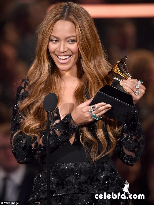 Beyonce-Grammys (1)