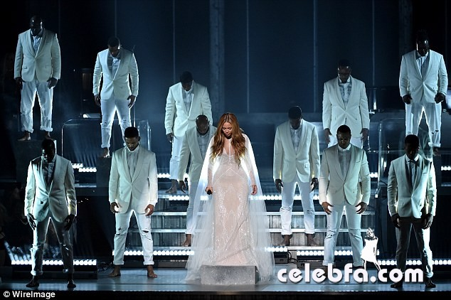 Beyonce-Grammys (7)